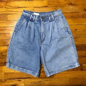 Vintage Two Tone High Rise Mom Shorts